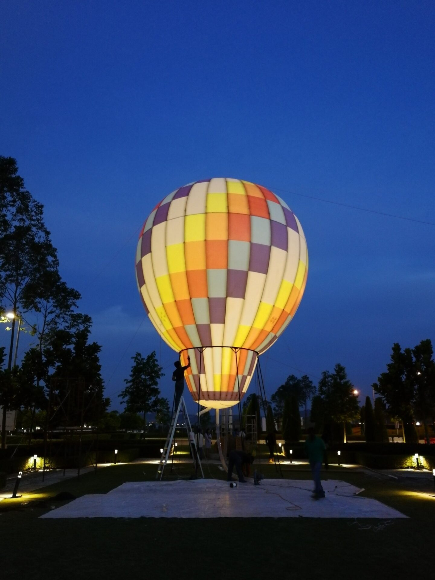 Lighted Hot Air Balloon Inflatable